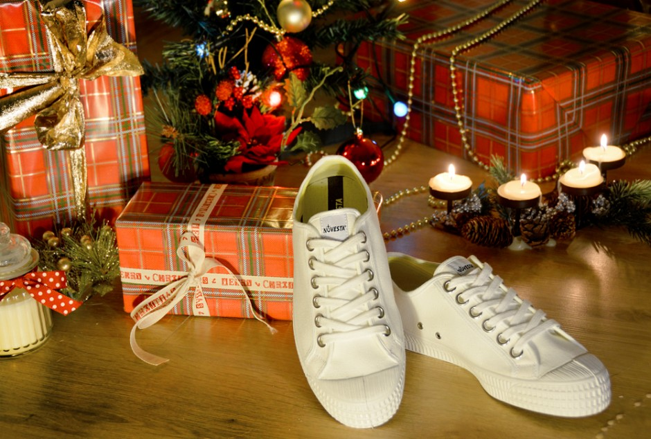 novesta-star-master-white-merry-christmas